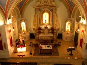 Veduta dall'organo della Chiesa Madonna del Carmine.