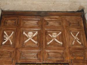 Portale d'ingresso della Chiesa Madonna del Carmine.